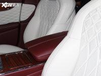 空間座椅飛馳前排中央扶手
