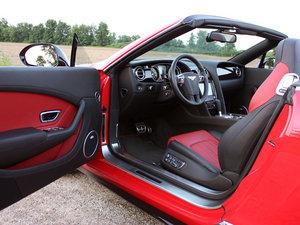 2014款4.0T GT V8 S 敞篷尊贵版   空间座椅