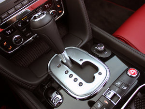 2014款4.0T GT V8 S 敞篷尊贵版   中控区