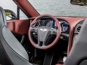 2016款4.0T GT V8 S 敞篷版 中控区