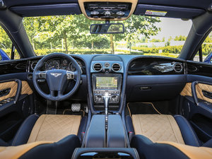 2017款V8 S Mulliner 全景内饰