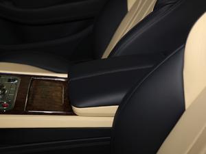 2018款6.0T GT W12 前排中央扶手