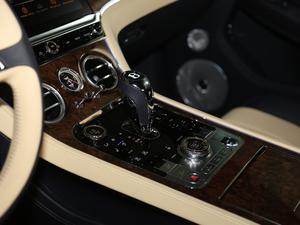 2018款6.0T GT W12 变速挡杆