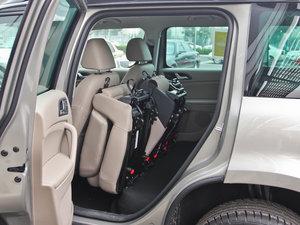 2013款1.8T 尊贵版 后排座椅放倒