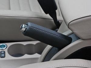 2013款1.8T 尊贵版 驻车制动器