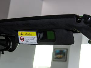 2017款RWD Spyder 遮阳板