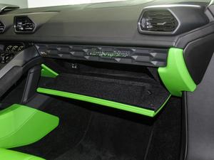 2017款RWD Spyder 手套箱