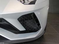 细节外观Aventador 雾灯