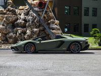 整體外觀Aventador純側