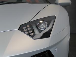 2018款Aventador S Roadster 头灯