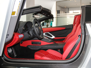 2018款Aventador S Roadster 前排空间