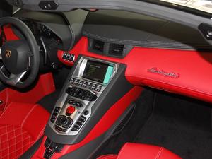2018款Aventador S Roadster 中控台