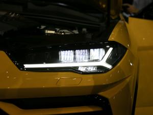2018款4.0T V8 头灯
