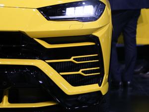 2018款4.0T V8 雾灯
