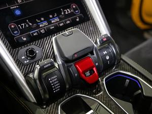 2018款4.0T V8 变速挡杆