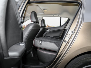 2017款1.8L 自动尊贵型 后排座椅放倒