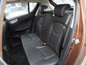 2017款1.8L 自动尊贵型 后排座椅