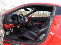 空间座椅488 Spider前排空间