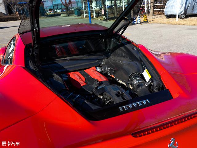 法拉利2015款488 GTB