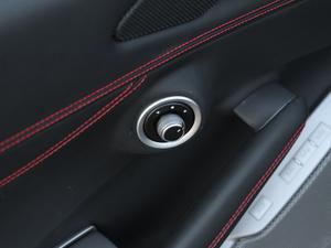 2018款3.9T V8 空间座椅