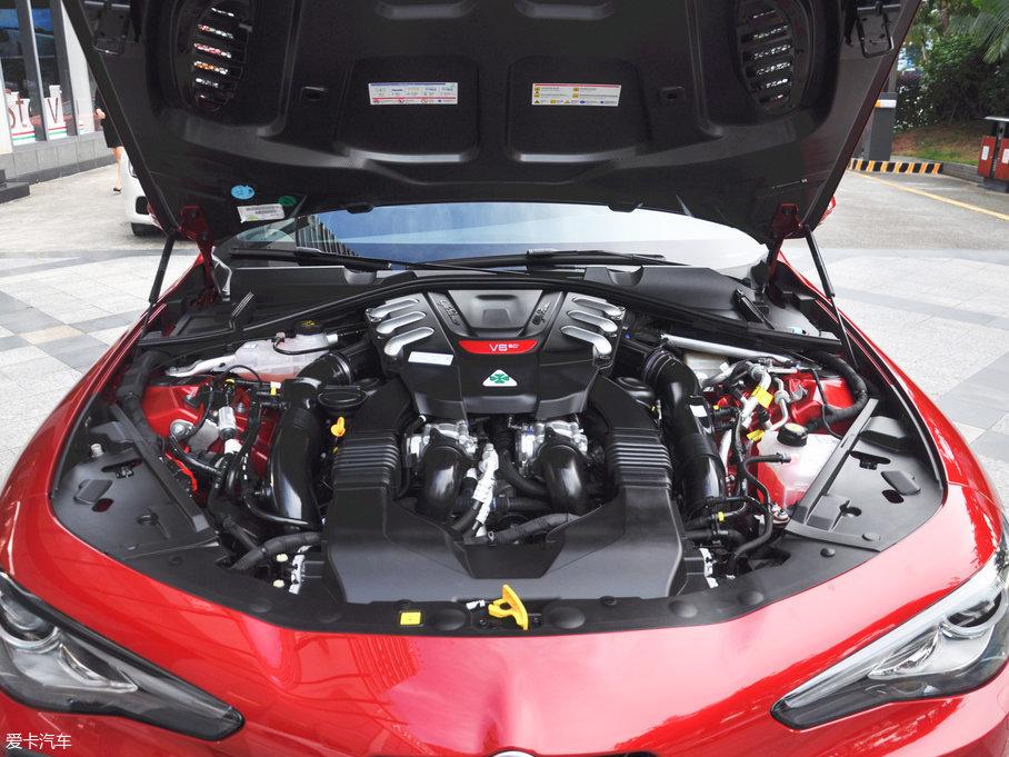2017款GiuliaQV 510HP 四叶草版