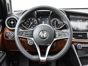 2017款200HP 豪华版 方向盘