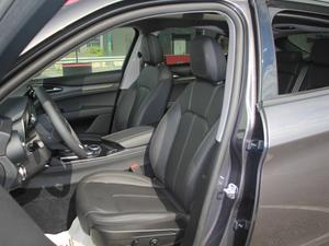 2017款200HP 精英版 前排座椅