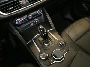 2017款280HP 豪华版 变速挡杆