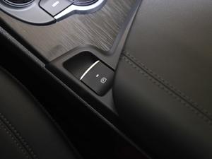 2017款280HP 豪华版 驻车制动器