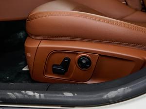 2017款3.0T 座椅调节