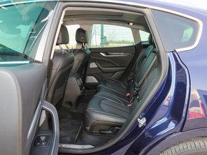 2016款3.0T 标准型 后排座椅放倒