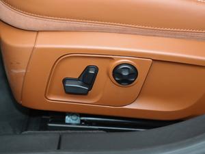 2018款3.0T 430Hp 豪华版 座椅调节