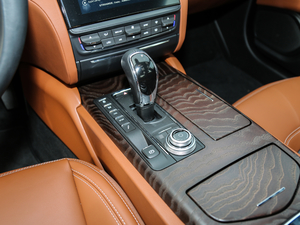 2018款3.0T 430Hp 豪华版 变速挡杆