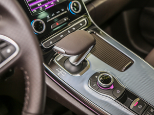 2018款1.8T 自动雅颂巴黎版 变速挡杆