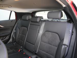 2018款1.6T 两驱极限版 后排座椅