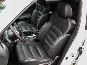 2014款1.6T 率动版 前排座椅