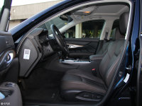 空间座椅英菲尼迪Q70L混动前排空间