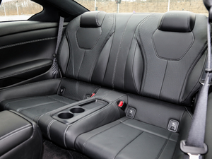 2017款S 2.0T 豪华运动版 后排座椅