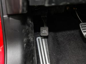 2017款S 2.0T 豪华运动版 驻车制动器