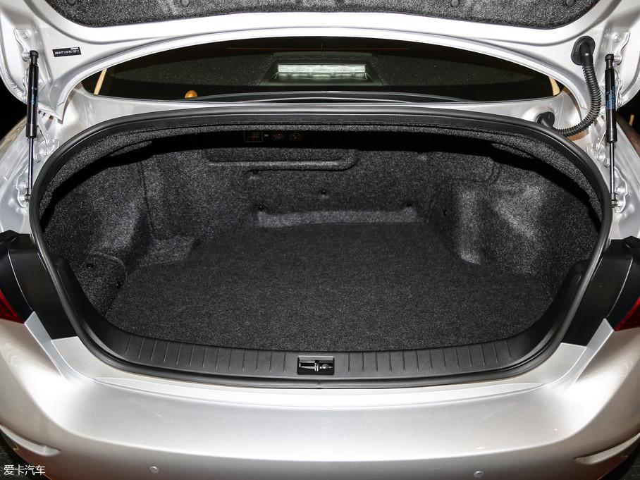 2017款英菲尼迪Q50混动3.5L Hybrid