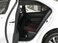空间座椅卡罗拉 双擎后排空间