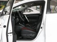 空间座椅卡罗拉 双擎前排空间