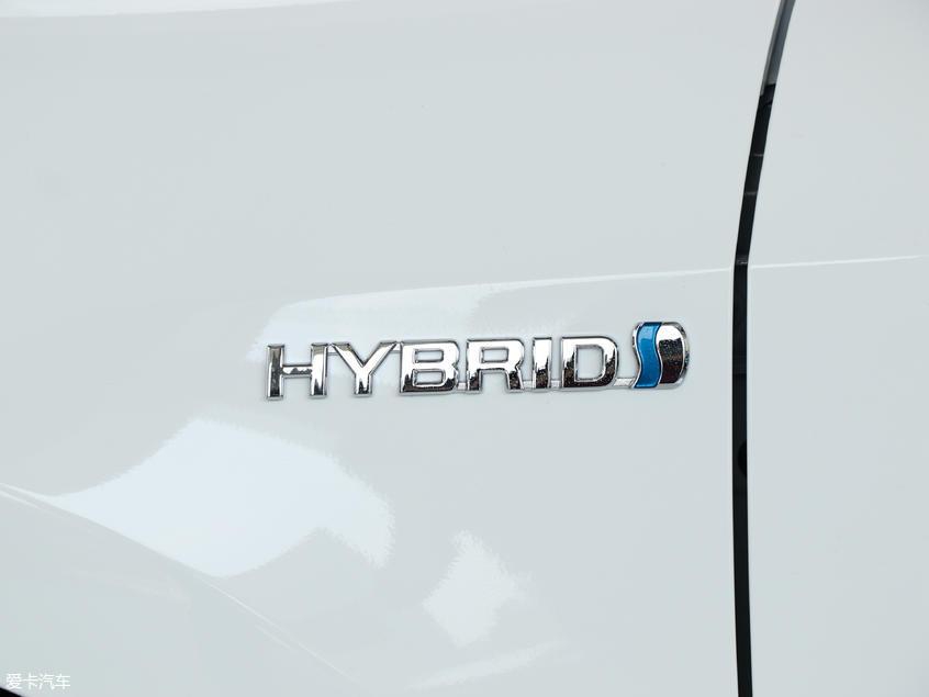 一汽丰田2018款卡罗拉 双擎