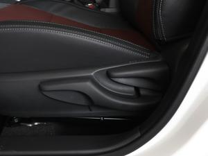 2018款1.8L E-CVT智尚版 座椅调节
