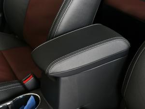 2018款1.8L E-CVT智尚版 前排中央扶手