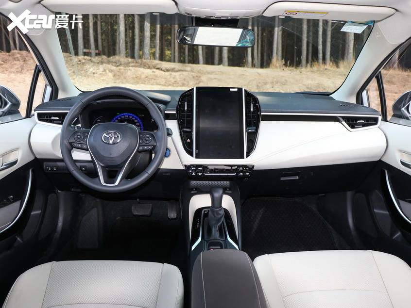 一汽丰田2019款卡罗拉双擎