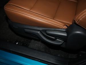 2019款E+ 1.8L 豪华版 座椅调节