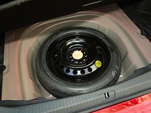 2019款2.5L Limited旗舰版 国V 备胎