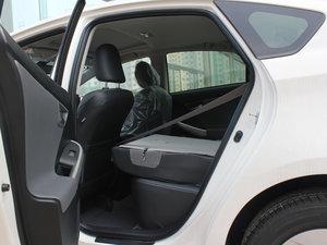 2012款1.8L CVT豪华先进版 后排座椅放倒