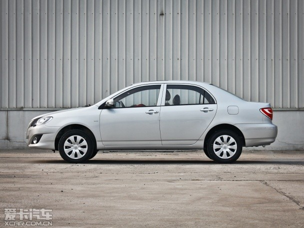 一汽丰田2013款花冠